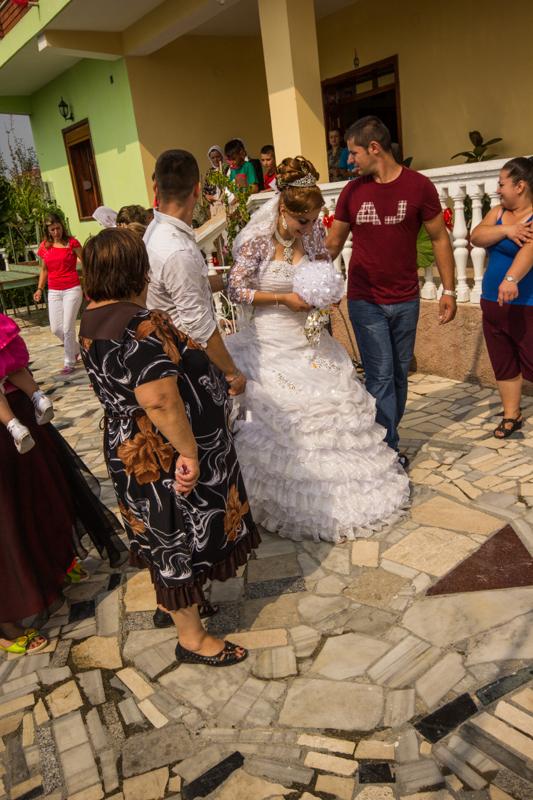 Matrimonio all albanese parte 2 - Allestimento casa della sposa ...